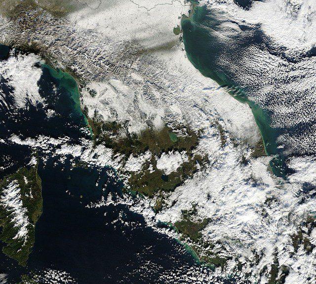 La Toscana vista dal Satellite il 18 Dicembre 2010