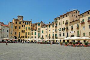 piazza anfiteatro lucca, lucca, amphitheatre