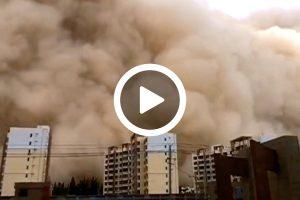 Tempesta di Sabbia a Dunhuang in Cina