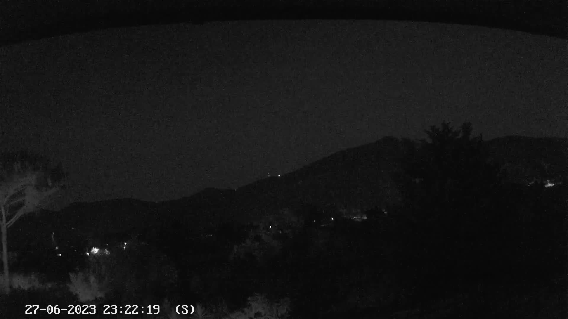 Webcam Monti Pisani con Monte Serra, Verruca e Cava di Uliveto
